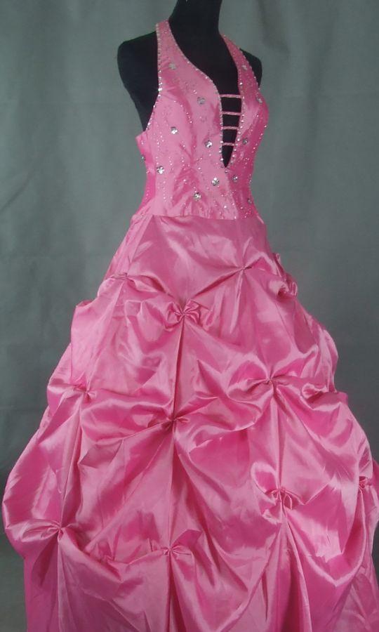 c7ee6a9f036 plesové šaty » skladem plesové » XL-XXL p · plesové šaty » skladem plesové  » do 3000Kč · plesové šaty » skladem plesové » do 4000Kč
